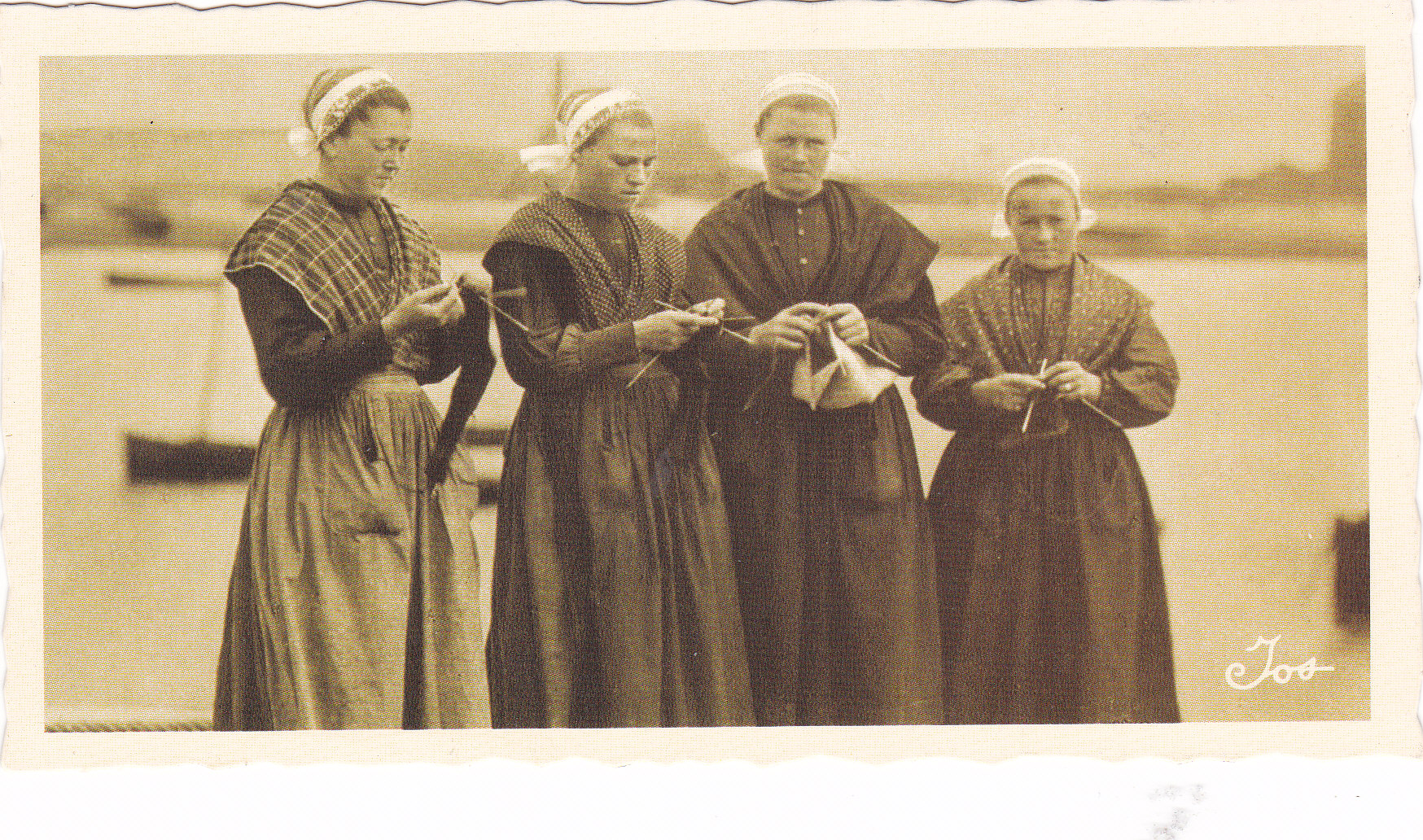 Group Of People Knitting : Did they see any people knitting janet s thread