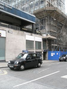 Side_of_Cannon_St_Station_site_of_St_Mary_Bothaw