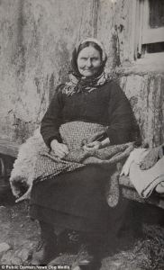 St Kilda woman knitting